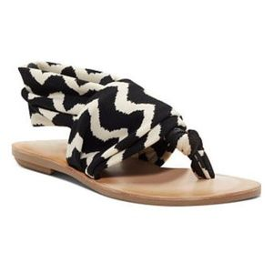 dirty laundry beebop sandals Size 9 NWOB